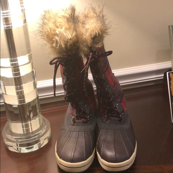 16213febc99c Totes Gina Women Plaid Winter Boots. M 5bbe8cd7a5d7c61fd6c55279
